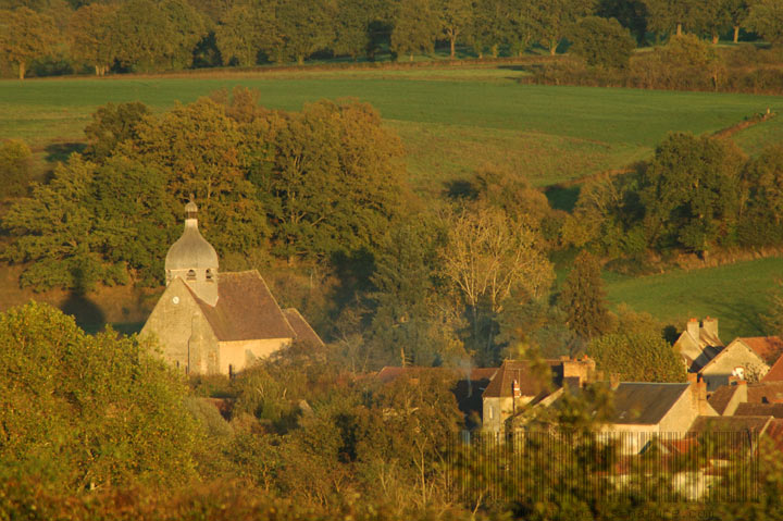 Le village d'Urcay au bord du Cher